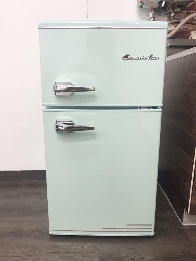 事務所に冷蔵庫が届きました
